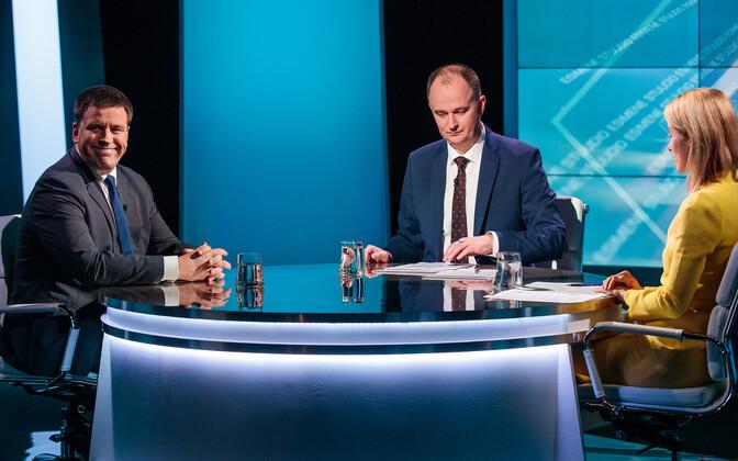Kaja Kallas with Jüri Ratas, on an earlier appearance on ETV's Esimene stuudio.