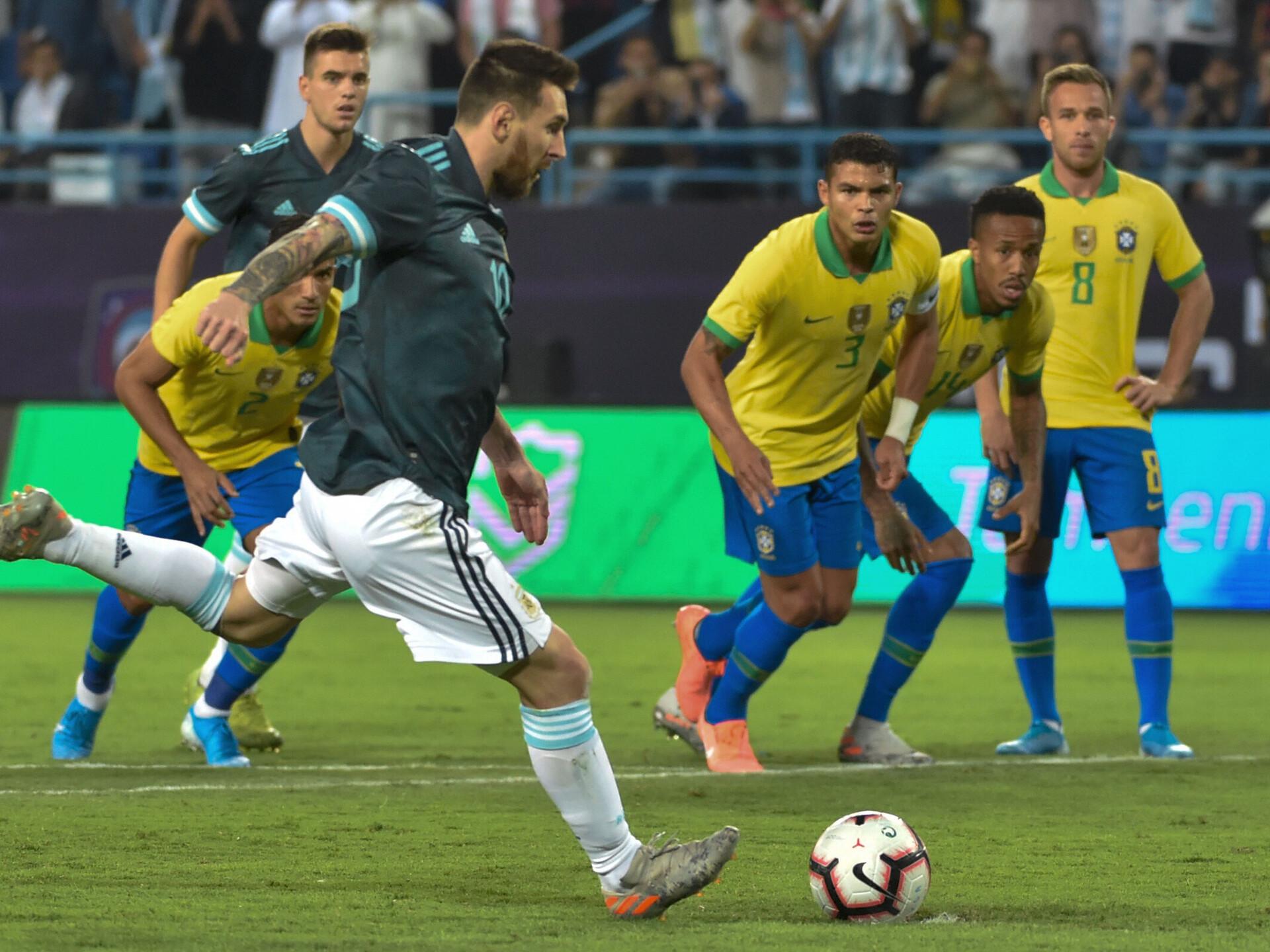 Messi naasis värava ja võiduga Brasiilia üle | Jalgpall | ERR