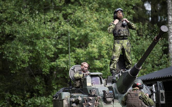 Rootsi sõjaväelased õppusel.