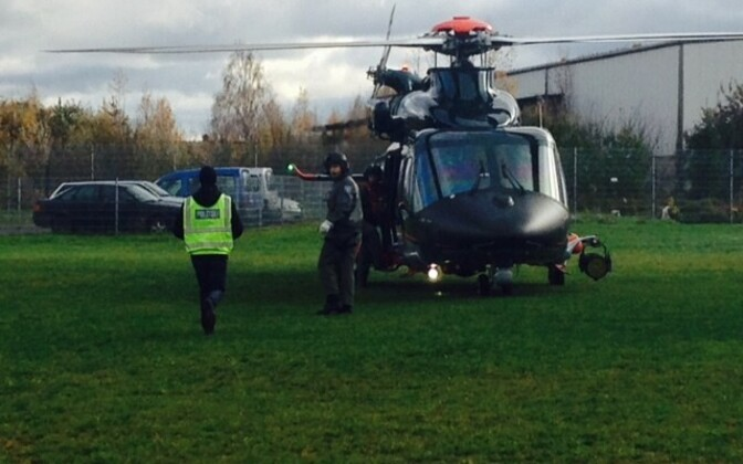 Полицейский вертолет.