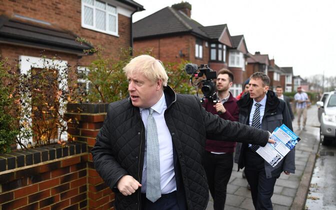 Briti peaminister Boris Johnson Mansfieldis valimiskampaaniat tegemas.