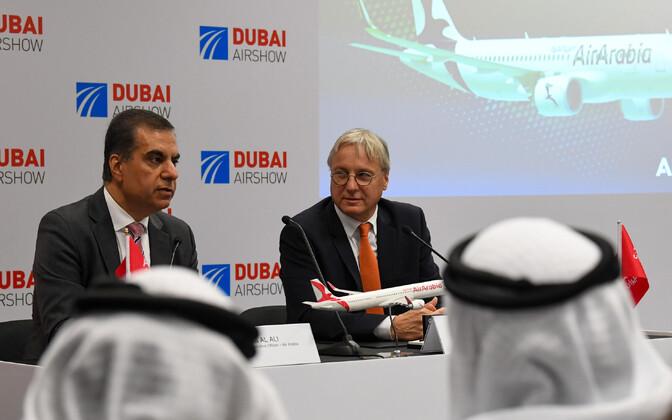 Vasakult: Air Arabia tegevjuht Adel Ali ja Airbusi kaubandusjuht Christian Scherer.