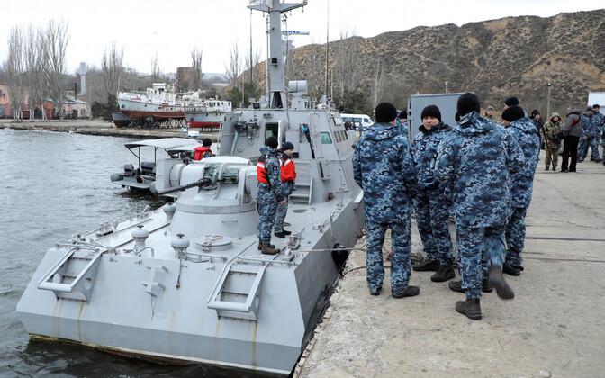 Üks tagasi saadetud laevadest Otšakivi sadamas 20. novembril.