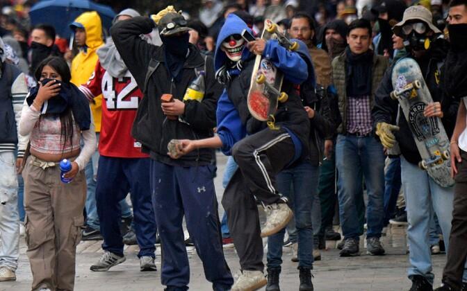 Rahutustes osalejad Bogotas.