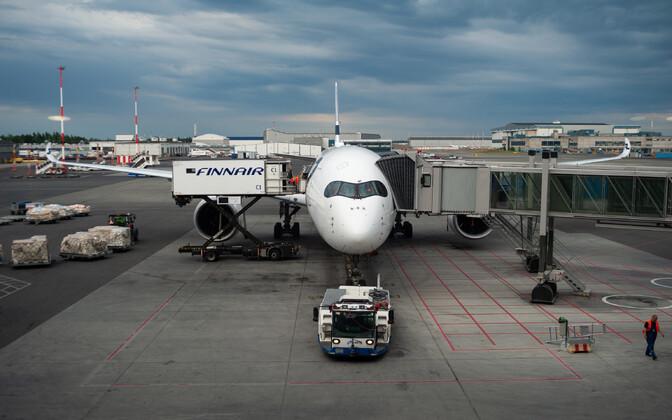 Finnairi lennuk Helsingi-Vantaa lennujaamas.