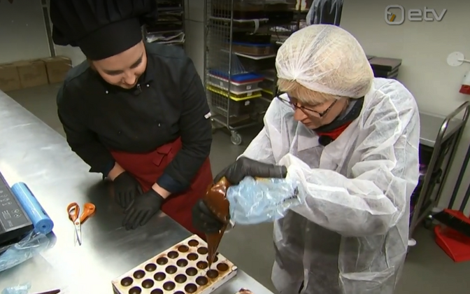 Reet Weidebaum (right) visits Chocolala's factory following the international award result.