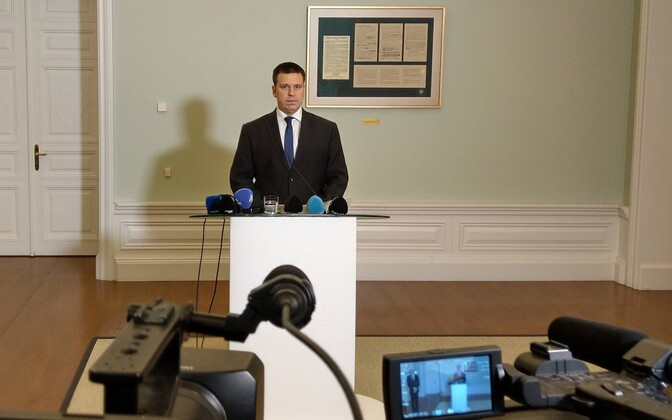 Jüri Ratas at Monday morning's press conference at the Stenbock House.