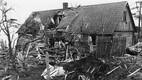 Nõukogude lennuvägi heitis Soomet pommitama minnes ekslikult pomme ka Eestisse, näiteks juba 1. detsembril 1939 sai pihta maja Naissaarel.