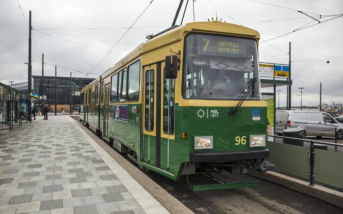 Трамвай в Хельсинки.