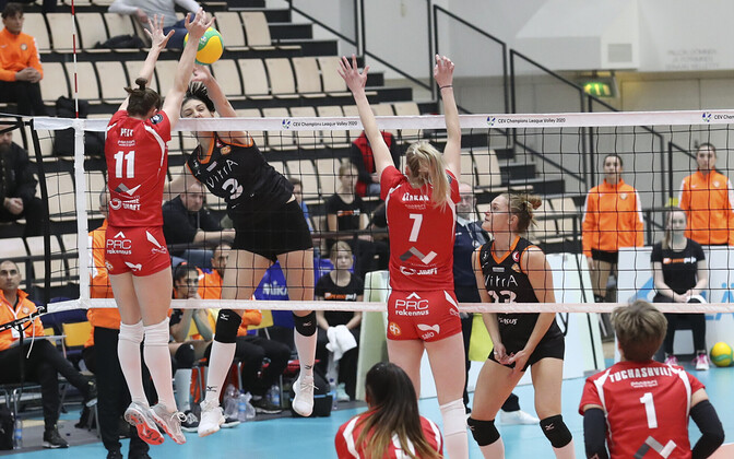 Nette Peit (nr 11) Tijana Boškovici (3) vastu blokis