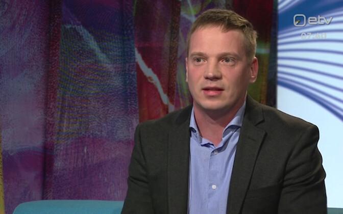 Martin Mölder speaking on ETV.