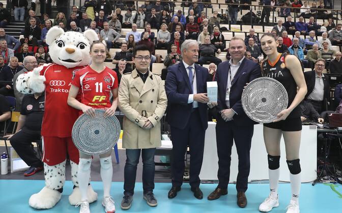 Nette Peit (vasakul) ja Tijana Bošcovic (paremal) valiti parimateks.