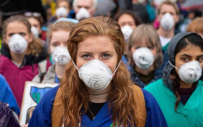 British doctors protesting air pollution.