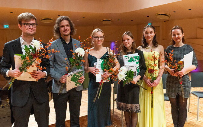 Vasakult: Mantas Šernius, Sven-Sander Šestakov, Evita Lohu, Tähe-Lee Liiv, Sofia Khvichia, Mariin Gill