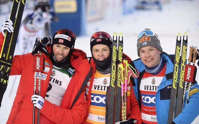 Emil Iversen (vasakult), Johannes Hösflot Kläbo ja Iivo Niskanen.