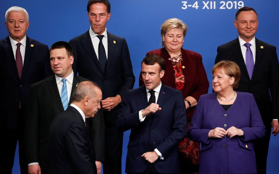 Руковдители стран НАТО на саммите альянса в Лондоне.