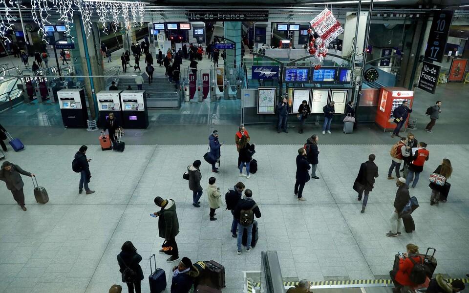Вокзал Монпарнас в Париже.