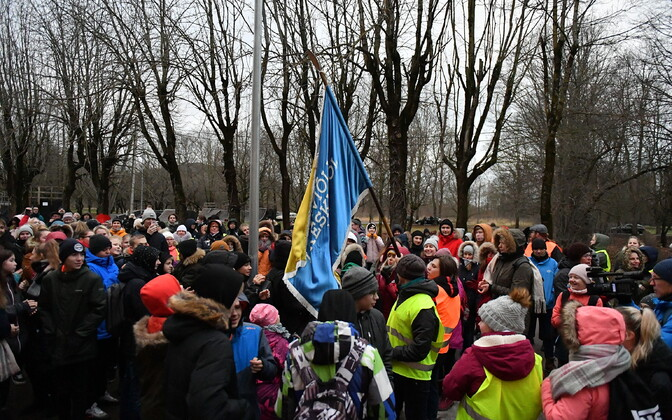 Pupils protest at Kiviõli Secondary School No. 1 .