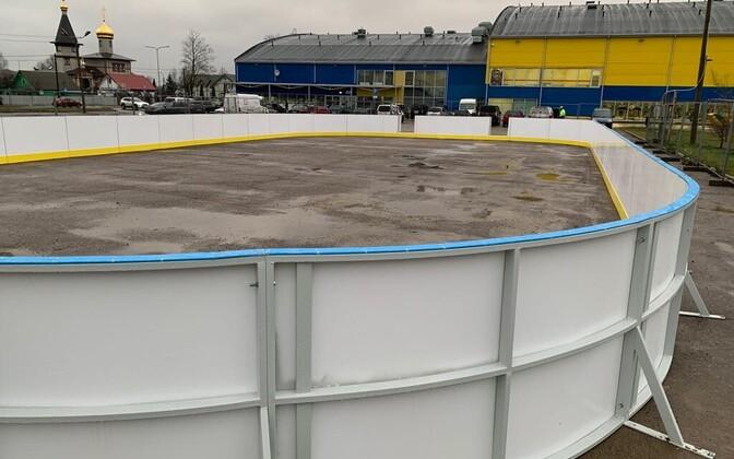 Бесплатный каток в Нарве будет окончательно готов лишь после наступления заморозков.