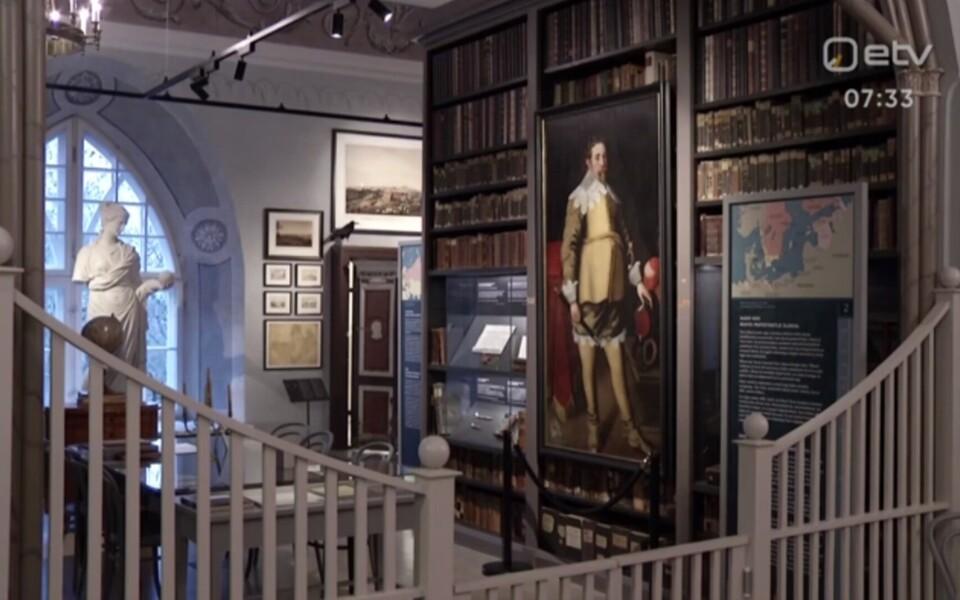 Tartu ülikooli muuseumi uus püsinäitusel on nii haruldasi ürikuid kui ka nostalgiat