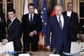 В Париже впервые встретились президенты России и Украины.