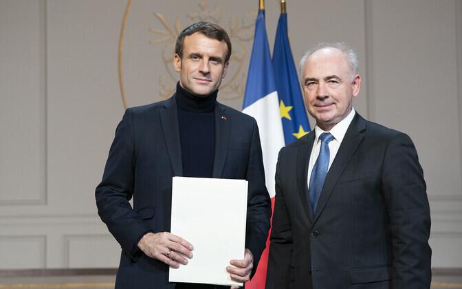Emmanuel Macron and Clyde Kull.