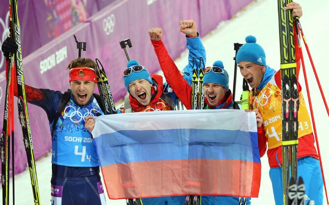 Sotši olümpial teatesõidus kuldmedali võitnud Venemaa laskesuusatajad