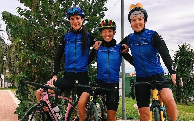 Vasakult Greete Steinburg, Janika Lõiv, Mari-Liis Mõttus