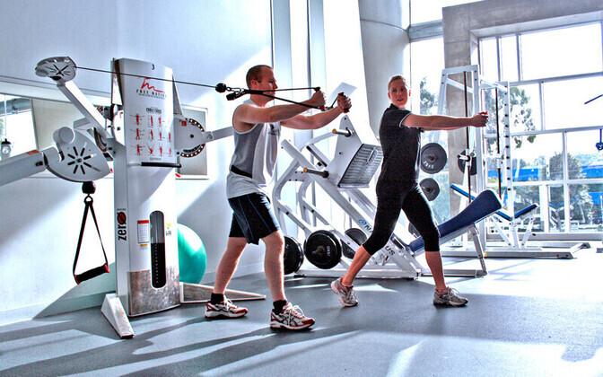 WHO soovituste kohaselt peaksid täiskasvanud nädalas liikuma vähemalt 150 minutit mõõduka intensiivsusega või 75 minutit tugeva intensiivsusega.
