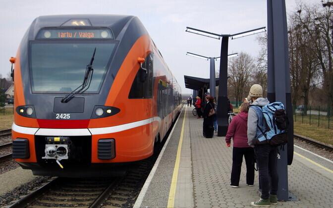 Elroni Tartu - Valga train.