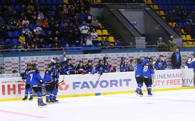 Сборная Эстонии по хоккею среди игроков не старше 20 лет избежала вылета во второй дивизион.