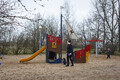 Обновленные детские площадки в парке пляжа Штромка.