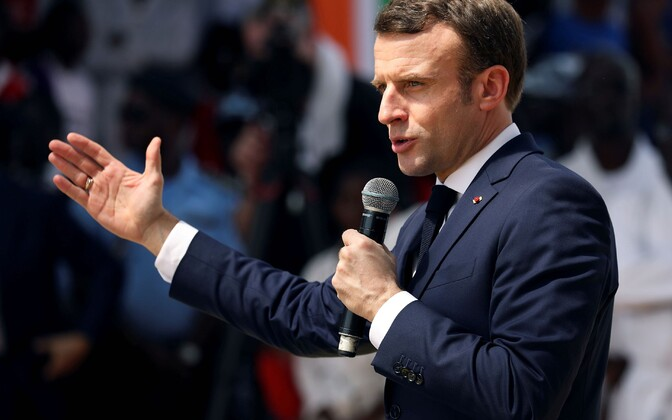 President Emmanuel Macron Elevandiluurannikul visiidil.