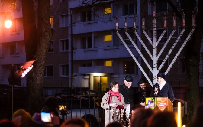 President Kersti Kaljulaid attends first Hanukkah candle lighting.