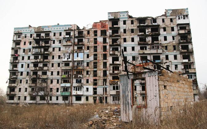 Maja Donetski kunagise lennujaama lähistel.