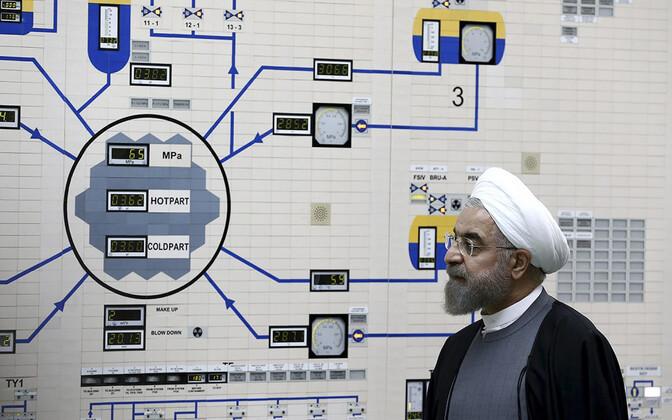 Iraani president Hassan Rouhani Bushehri tuumajaamas