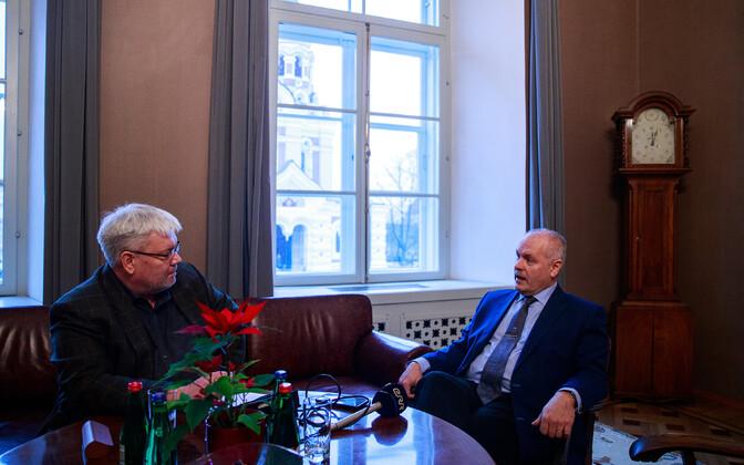 Toomas Sildami intervjuu Henn Põlluaasaga.