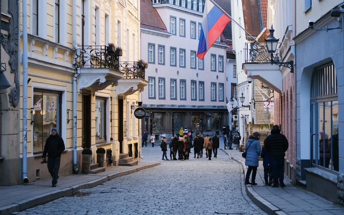 Vene saatkond Tallinnas Pikal tänaval.