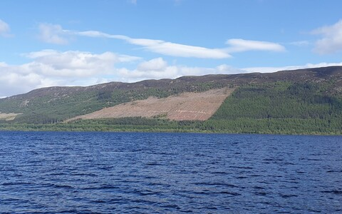 Lageraielank Loch Nessi järve ääres.