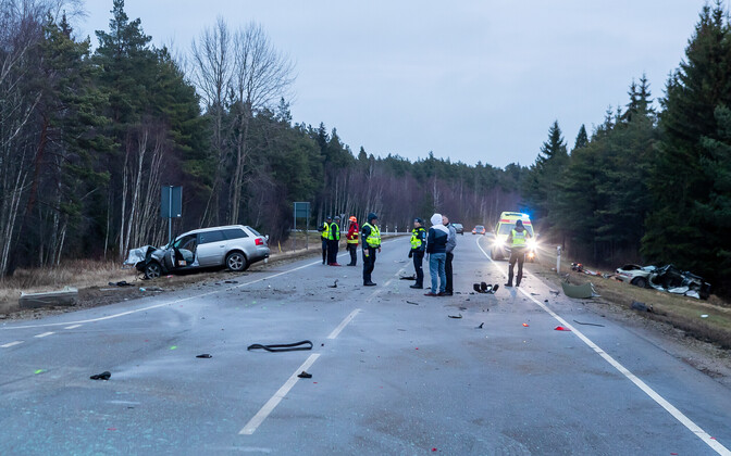 На Сааремаа ДТП с участием пьяного водителя унесло три жизни.