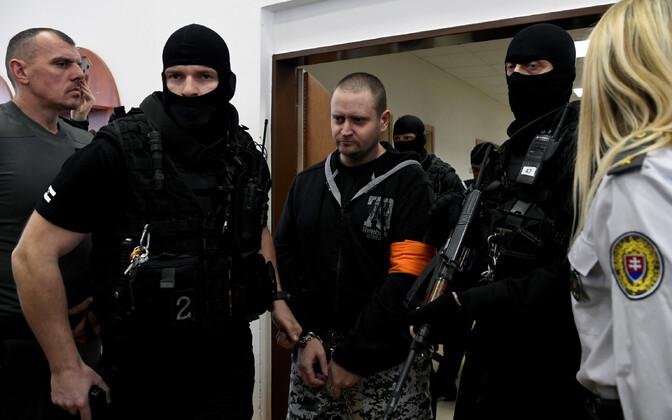 Süüdistatav Miroslav Marcek kohtusaalis.