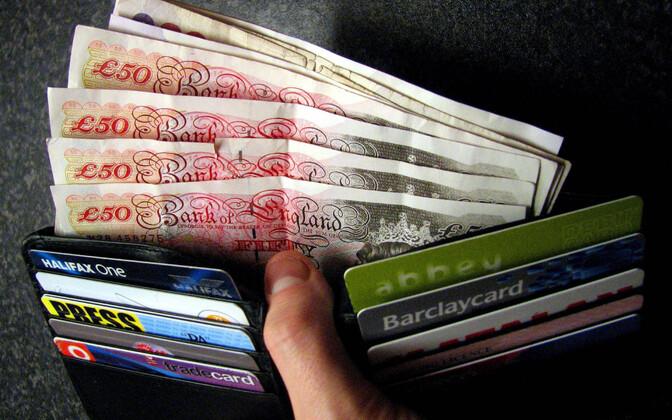 Briti naelad ja krediitkaardid.