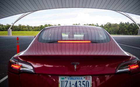 Tesla autod saavad iga kuu firmale tohutu andmemassiivi.