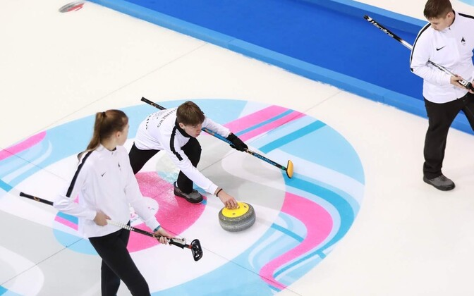 Eesti kurlinguvõistkond noorte olümpial.
