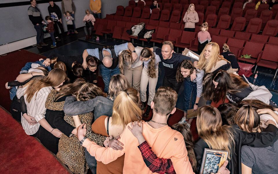 """Koolitantsu Kompanii tantsufilm """"Jäljed"""""""