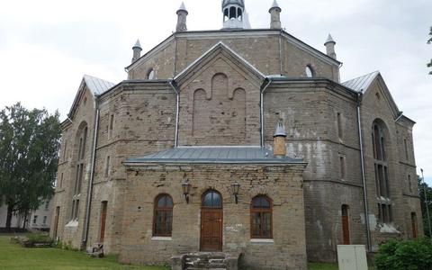 Aleksandri kiriku välisvaade.