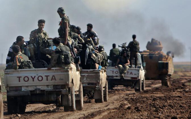 Türgi poolt toetatud võitlejad Süürias, arhiivifoto oktoobrist.