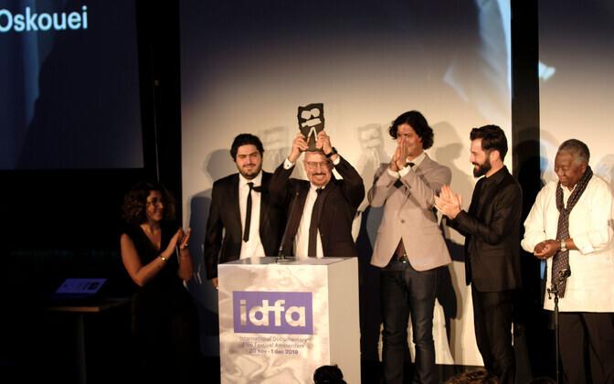 Mehrdad Oskouei IDFAl võidetud preemiaga