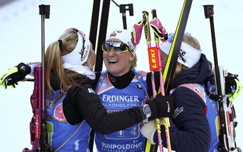 Norralannad finišis rõõmustamas.
