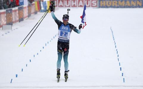 Quentin Fillon Maillet toomas Prantsusmaa meeskonda võidukalt finišisse